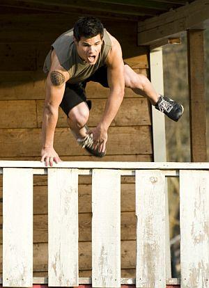 Taylor Lautner: Sportlich kann ihm kaum jemand das Wasser reichen