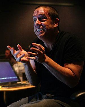 """Lee Unkrich am Set von """"Toy Story 3"""": der Regisseur gibt Istruktionen"""