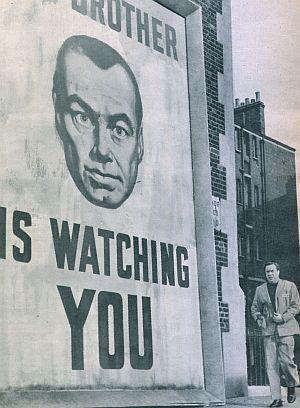 "Allgegenwärtige Beobachtung in ""1984"""