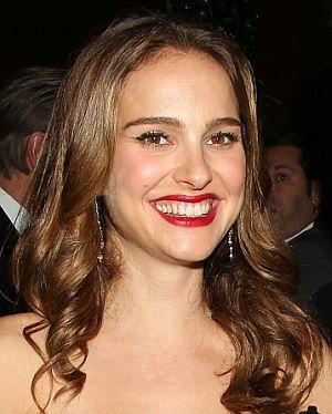 """Natalie Portman gut gelaunt auf der """"Black Swan""""-Premiere"""