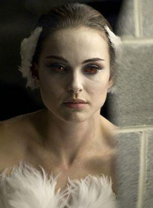 """Natalie Portman verwandelt sich in """"Black Swan"""""""