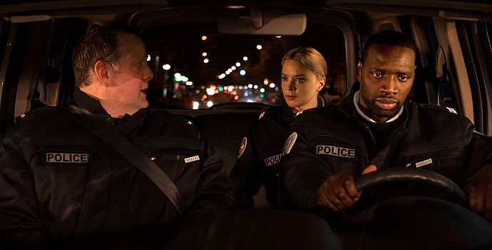 """Grégory Gadebois, Virginie Efira & Omar Sy in """"Bis an die Grenze"""" (Police, 2020)"""