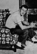 Rock Hudson in seinem Haus in Hollywood 1957.