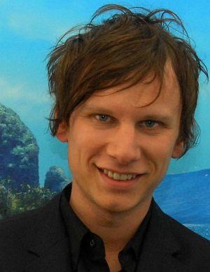 Robert Stadlober, Synchronsprecherin Könige der Wellen (Person)