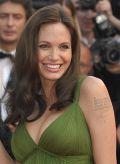 Angelina Jolie strahlend