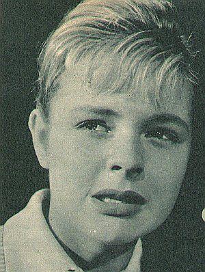 Sabine Sinjen als Stefanie