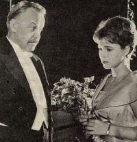 Film Journal, 19.10.1959, Nr.21, S.8, Conny Froboess, Rex Gildo, Ja, so ein Mädchen mit sechzehn (Szen 05)