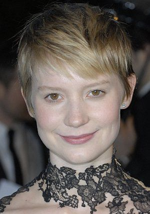 Mia Wasikowska, Alice im Wunderland, Premiere London (Person 021) 2010