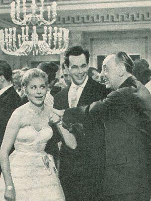 Revue, März1957, Jahrgang 11, Nr. 7, S. 34, 35, Zwei Herzen voller Seligkeit (Retro)