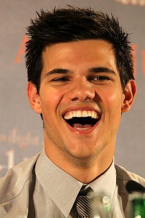 """Taylor Lautner bei der Pressekonferenz zu """"Eclipse - Biss zum Abendrot"""" in im Juni 2010 in Berlin"""
