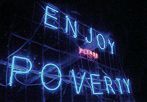 Episode 3: 'Enjoy Poverty' (Szene) 2009