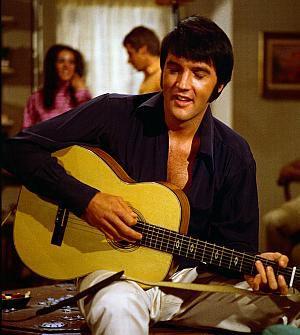 """Elvis Presley in """"Elvis Presley: Ein himmlischer Schwindel"""""""