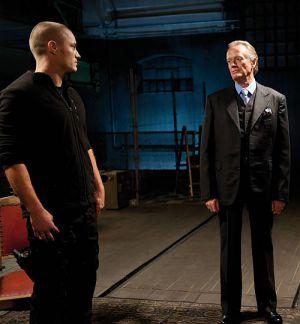 """Travis Fimmel und Peter Fonda in """"Harodim - Nichts als die Wahrheit?"""""""