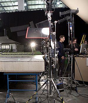 """Peter Sorg und Tim Burton am Set von """"Frankenweenie"""""""