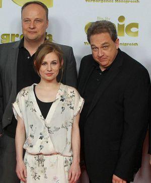 In Premierenstimmung: Josefine Preuß, Oliver Welke und Oliver Kalkofe