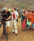 Kameramann Martin Langer und Regisseurin Hermine Huntgeburth am Set in Kenia