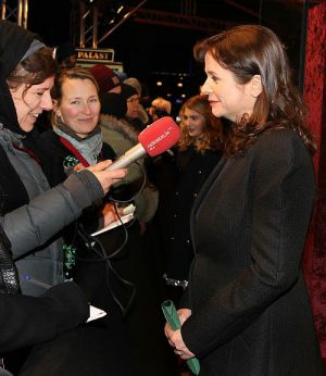 """Emily Watson im Interview bei der Premiere von """"Die Bücherdiebin"""""""