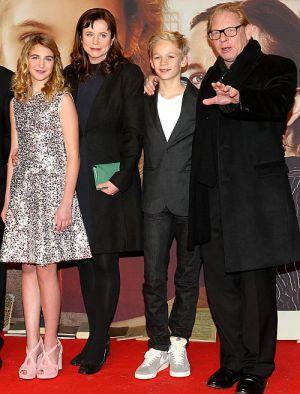 Sophie Nélisse, Emily Watson, Nico Liersch und Ben Becker auf dem Roten Teppich