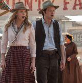 """Warten auf die nächste Schweinerei: Charlize Theron und Seth MacFarlane in """"A Million Ways to Die in the West"""""""