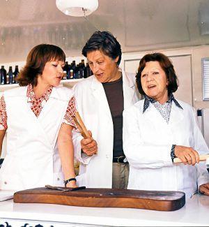 Drei Damen vom Grill (Szene) 1977