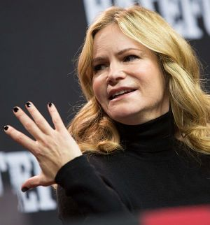 "Jennifer Jason Leigh bei der Pressekonferenz zu ""The Hateful 8"" in Berlin"