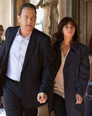 Tom Hanks und Felicity Jones verhindern das