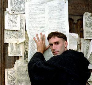 Joseph Fiennes, Luther (Szene) 2003