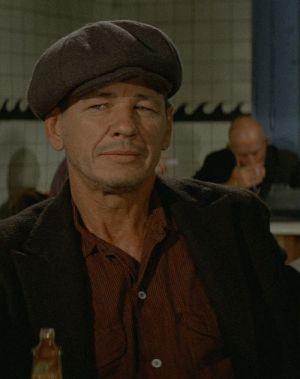Ein stahlharter Mann, Hard Times (Szene) 1975
