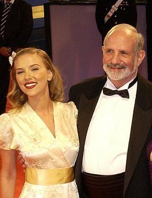 Scarlett Johansson und Brian de Palma bei der Eröffnung der Filmfestspiele in Venedig 2006.